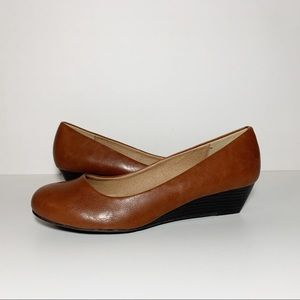 CL by Laundry Tan Leather Round Toe Wedges NEW